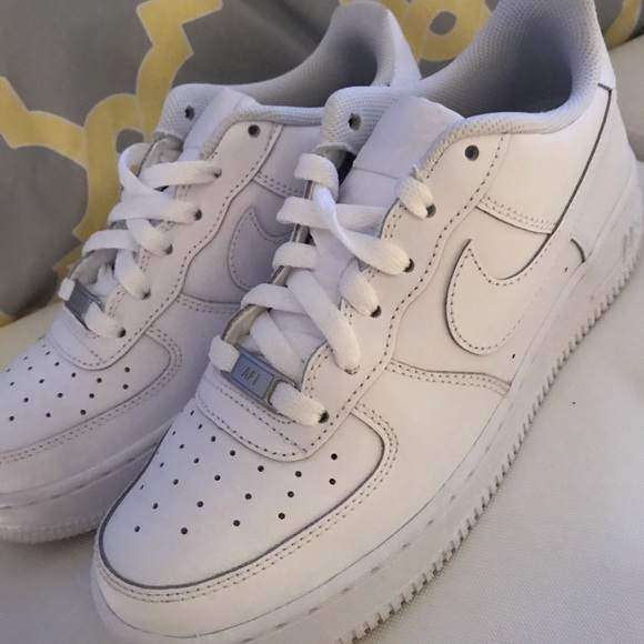 nike air force size 7